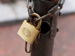 鍵がかかっている