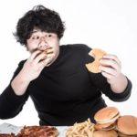 胃もたれの原因となる食べ物とNGな食べ方とは?